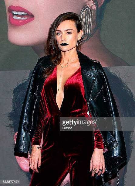 Marcela Mar attends La Vida Inmoral De La Pareja Ideal premiere and red carpet at Teatro Metropolitano on October 19 2016 in Mexico City Mexico
