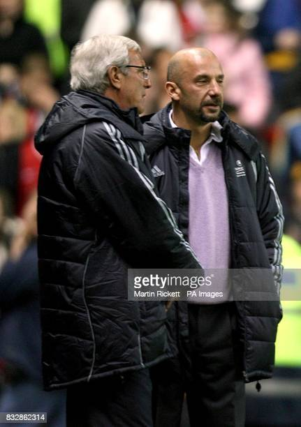 Marcello Lippi and Gianluca Vialli before the match
