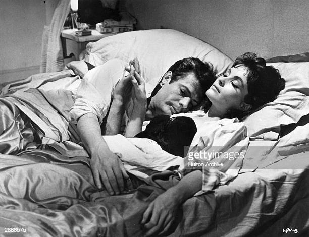 Marcello Mastroianni plays the philandering journalist and Yvonne Furneaux his jealous mistress in the Columbia Pictures film 'La Dolce Vita'