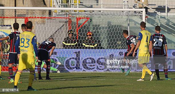 Marcello Trotta of Crotone scores his team's opening goal with penalty during the Serie A match between FC Crotone and AC ChievoVerona at Stadio...