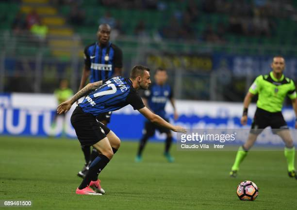 Marcelo Brozovic FC of Internazionale in action during the Serie A match between FC Internazionale and Udinese Calcio at Stadio Giuseppe Meazza on...