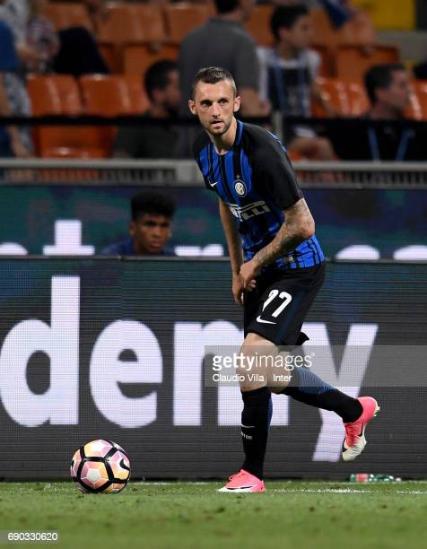 Marcelo Brozovic of FC Internazionale in action during the Serie A match between FC Internazionale and Udinese Calcio at Stadio Giuseppe Meazza on...