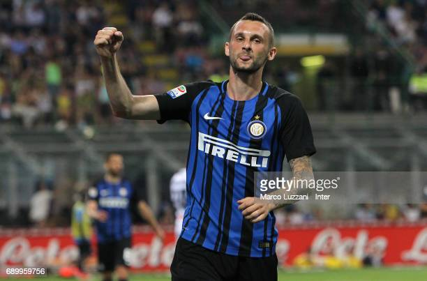 Marcelo Brozovic of FC Internazionale Milano celebrates his goal during the Serie A match between FC Internazionale and Udinese Calcio at Stadio...