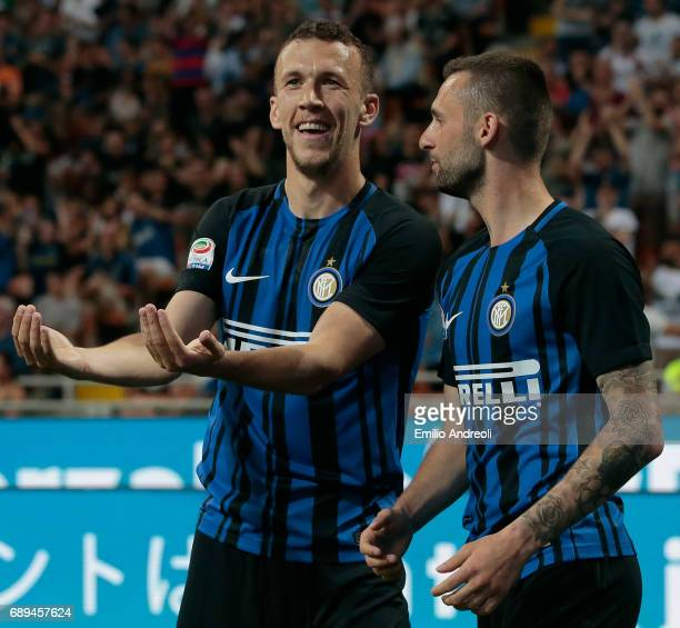 Marcelo Brozovic of FC Internazionale Milano celebrates his goal with his teammate Ivan Perisic during the Serie A match between FC Internazionale...