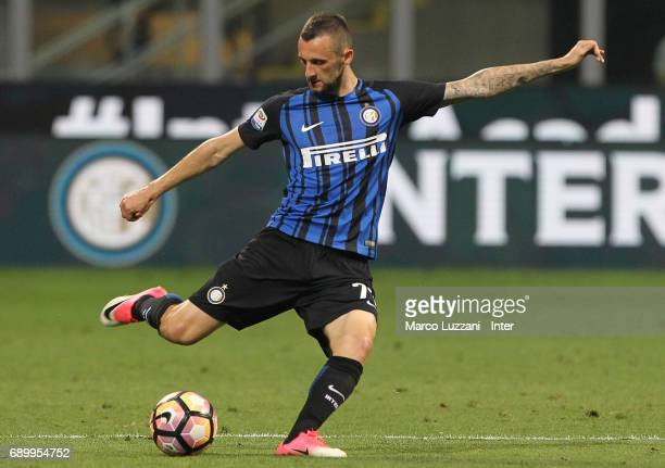 Marcelo Brozovic of FC Internazionale Milano in action during the Serie A match between FC Internazionale and Udinese Calcio at Stadio Giuseppe...
