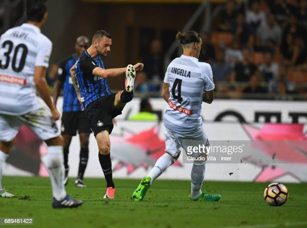 Marcelo Brozovic of FC Internazionale scores the third goal during the Serie A match between FC Internazionale and Udinese Calcio at Stadio Giuseppe...