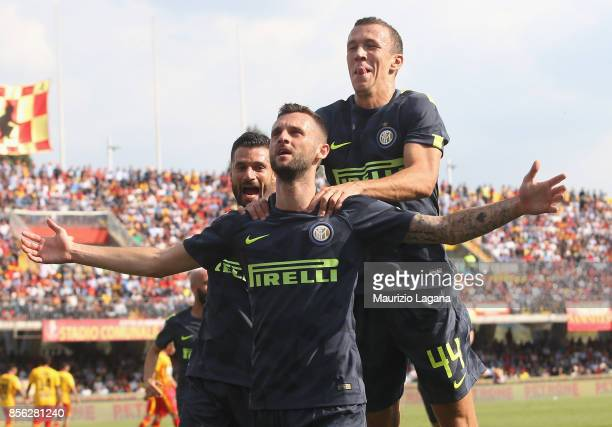 Marcelo Brozovic of Inter celebrates after scoring his team's first goal during the Serie A match between Benevento Calcio and FC Internazionale at...