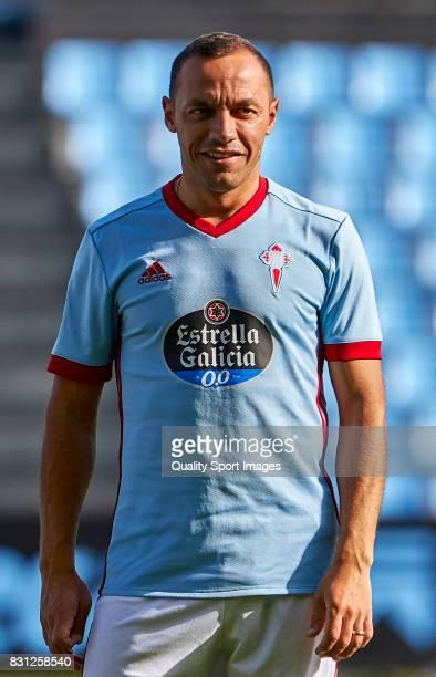 Marcelo Diaz of Celta de Vigo looks on prior to the preseason friendly match between Celta de Vigo and AS Roma at Balaidos Stadium on August 13 2017...