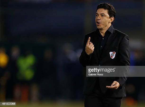 Marcelo Gallardo coach of River Plate gives instructions to his players during a second leg Semi Final match between Guarani and River Plate as part...
