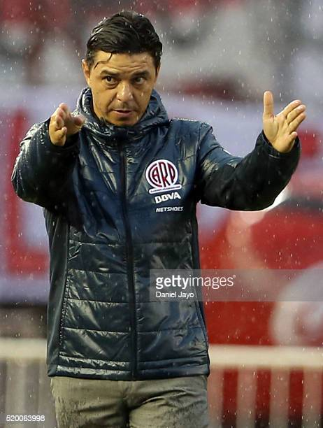 Marcelo Gallardo coach of River Plate gives instructions to his players during a match between River Plate and Sarmiento as part of Torneo Transicion...