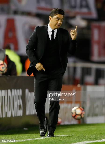 Marcelo Gallardo coach of River Plate gives instructions to his players during a second leg match between River Plate and Guarani as part of round of...