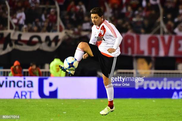 Marcelo Gallardo controls the ball during Fernando Cavenaghi's farewell match at Monumental Stadium on July 01 2017 in Buenos Aires Argentina