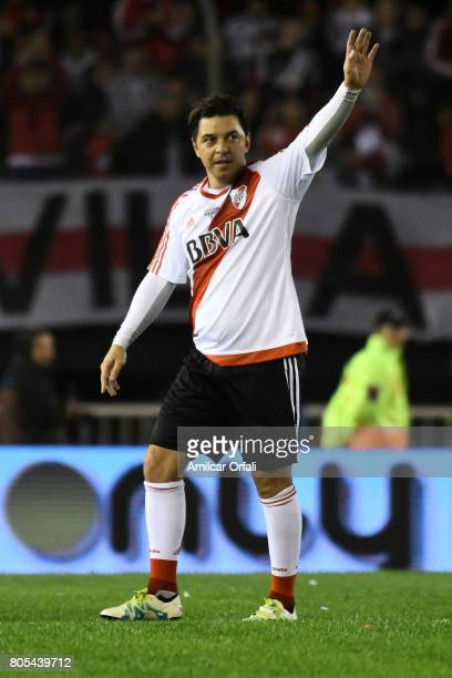 Marcelo Gallardo says goodbye to the fans during Fernando Cavenaghi's farewell match at Monumental Stadium on July 01 2017 in Buenos Aires Argentina