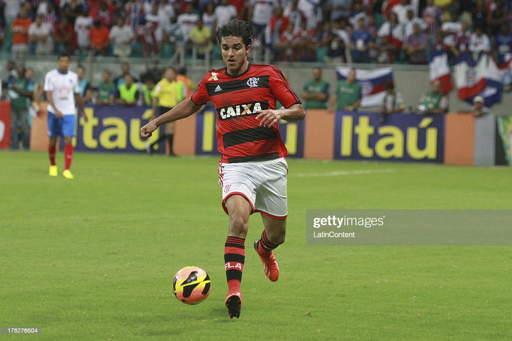 Marcelo Moreno of Flamengo drives the ball during a match between Flamengo and Bahia as part of the Brazilian Serie A Championship at Arena Fonte Nova Stadium on July 31, 2013 in Salvador, Brasil.