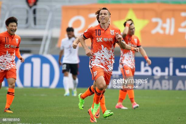 Marcelo Toscano of Jeju United FC celebrates after scoring a goal during the AFC Champions League Round of 16 match between Jeju United FC and Urawa...