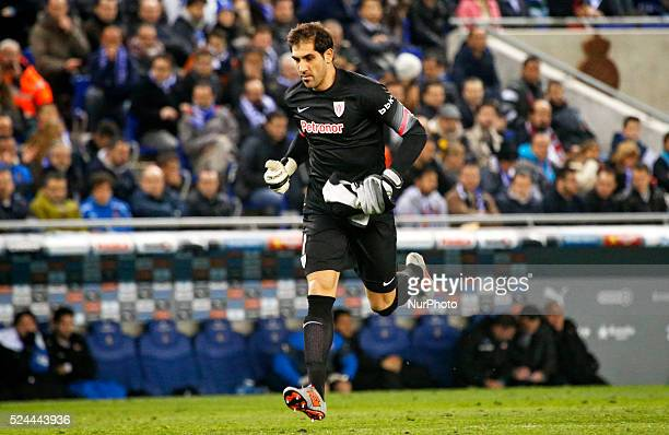 Gorka Iraizoz replaces Iago Herrerin in the match between RCD Espanyol and Athletic Club for the second leg of the 1/2 final of the spanish Cup...