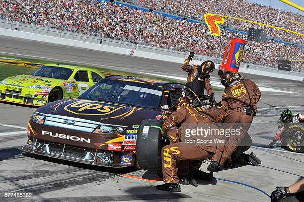 David Ragan Roush Fenway Racing Ford Taurus at a pit stop during the Shelby 427 Sprint Cup Series at Las Vegas Motor Speedway in Las Vegas NV