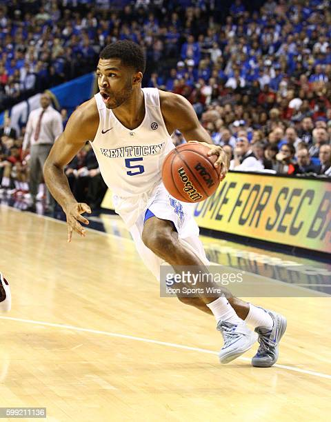 March 15 2015 Kentucky Wildcats guard Andrew Harrison drives to the basket during the 2015 SEC Men's Basketball Championship finals between Kentucty...