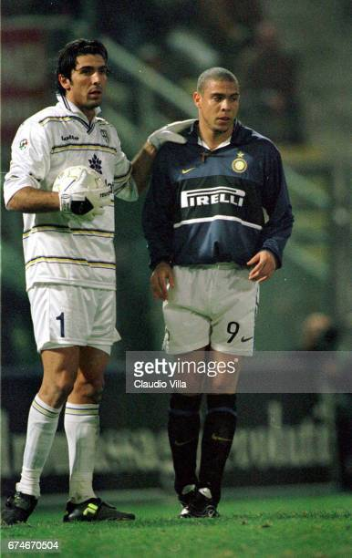 Ronaldo of Inter Milan and Gianluigi Buffon of Parma chat during the Italian Cup match between Parma and Inter Milan played at the 'Ennio Tardini' in...