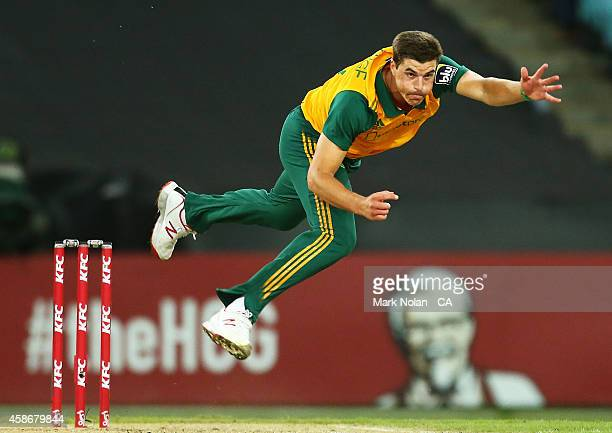 Marchant De Lange of South Africa bowls during game three of the Men's International Twenty20 series between Australia and South Africa at ANZ...