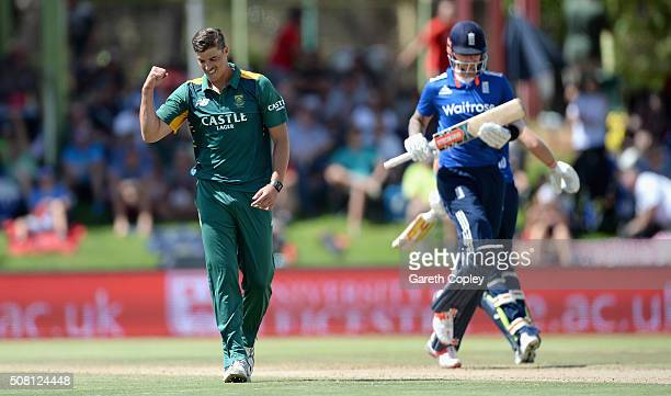 Marchant de Lange of South Africa dismissing Alex Hales of England during the 1st Momentum ODI match between South Africa and England at Mangaung...