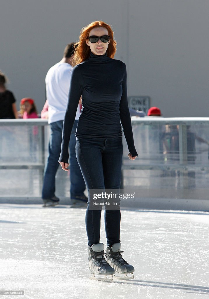 <a gi-track='captionPersonalityLinkClicked' href=/galleries/search?phrase=Marcia+Cross&family=editorial&specificpeople=202844 ng-click='$event.stopPropagation()'>Marcia Cross</a> is seen ice skating on December 01, 2013 in Los Angeles, California.