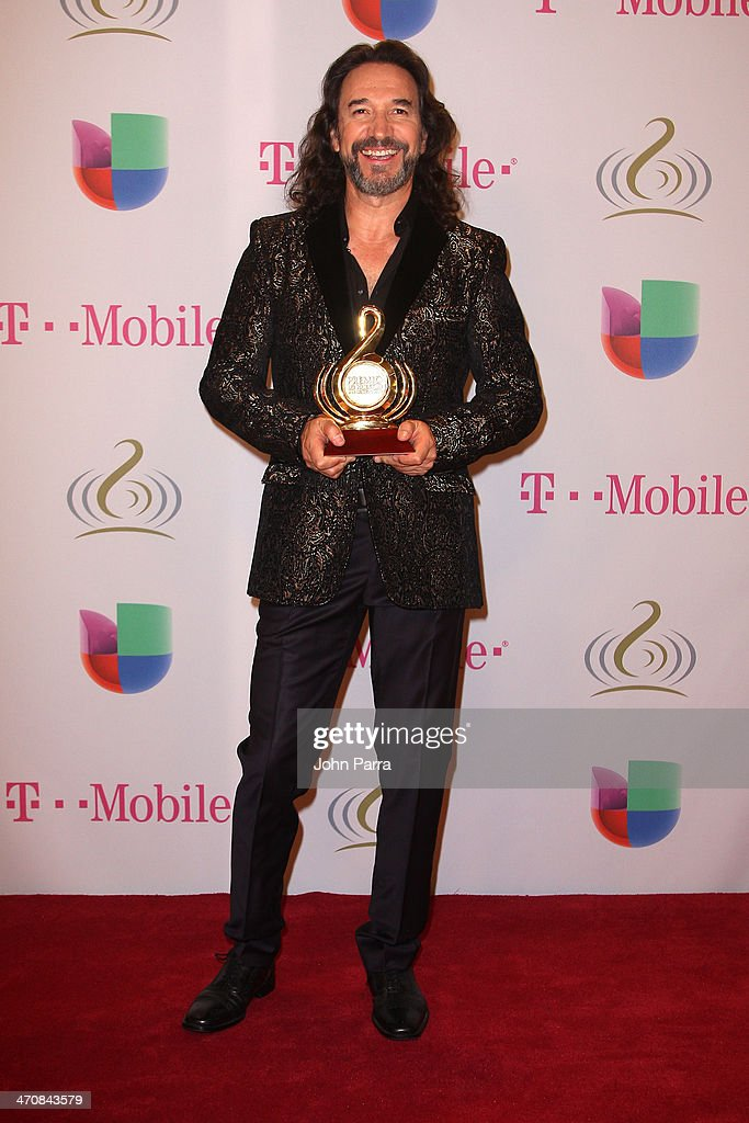 <a gi-track='captionPersonalityLinkClicked' href=/galleries/search?phrase=Marco+Antonio+Solis&family=editorial&specificpeople=239135 ng-click='$event.stopPropagation()'>Marco Antonio Solis</a> attends Premio Lo Nuestro a la Musica Latina 2014 at American Airlines Arena on February 20, 2014 in Miami, Florida.