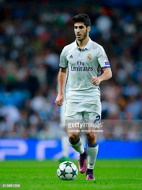 Marco Asensio of Real Madrid CF controls the ball during the UEFA Champions League group F match between Real Madrid CF and Legia Warszawa at...