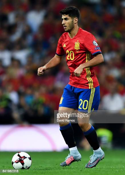 Marco Asensio of Spain runs with the ball during the FIFA 2018 World Cup Qualifier between Spain and Italy at Estadio Santiago Bernabeu on September...