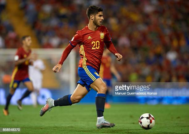 Marco Asensio of Spain runs with the ball during the FIFA 2018 World Cup Qualifier between Spain and Albania at Rico Perez Stadium on October 6 2017...