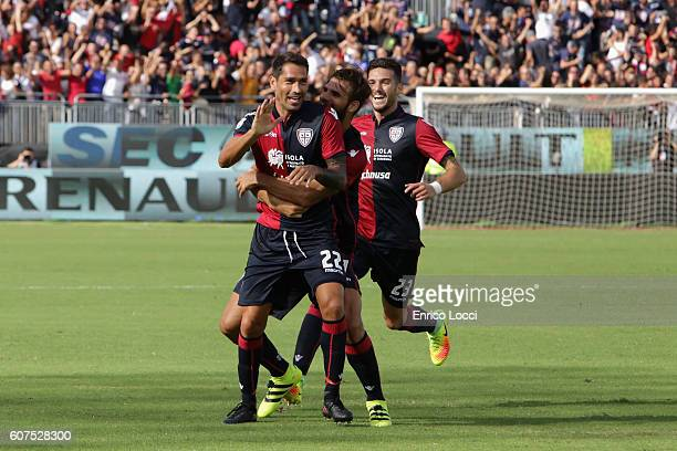 Marco Boriello of Cagliari celebrates a goal with teammates during the Serie A match between Cagliari Calcio and Atalanta BC at Stadio Sant'Elia on...