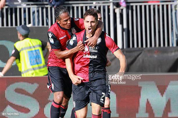 Marco Capuano of Cagliari celebrates the goal 25 during the Serie A match between Cagliari Calcio and ACF Fiorentina at Stadio Sant'Elia on October...