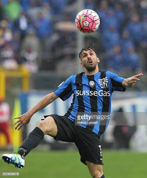 Marco D Alessandro of Atalanta BC in action during the Serie A match between Atalanta BC and AS Roma at Stadio Atleti Azzurri d'Italia on April 17...
