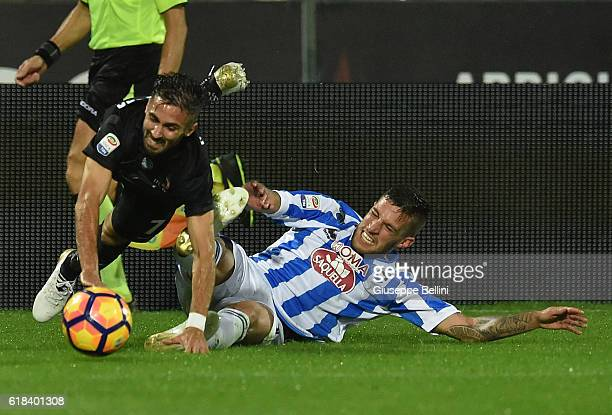Marco D'Alessandro of Atalanta BC and Cristiano Biraghi of Pescara Calcio in action during the Serie A match between Pescara Calcio and Atalanta BC...