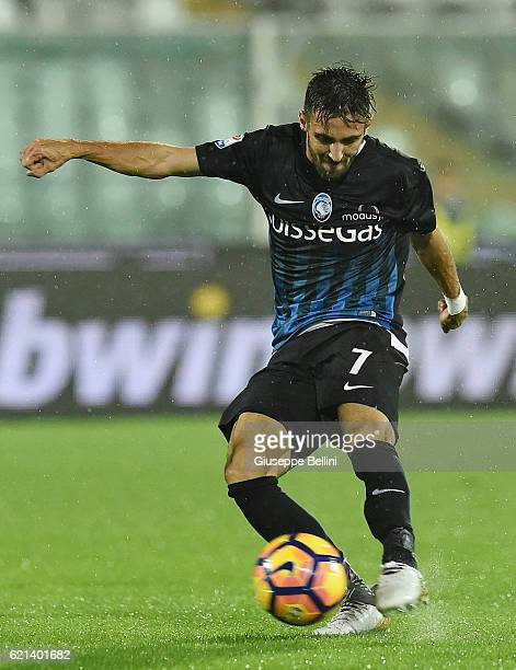 Marco D'Alessandro of Atalanta BC in action during the Serie A match between Pescara Calcio and Atalanta BC at Adriatico Stadium on October 26 2016...