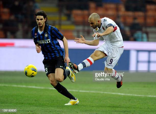 Marco Di Vaio of Bologna FC scores the second goal during the Serie A match FC Internazionale Milano and Bologna FC at Stadio Giuseppe Meazza on...