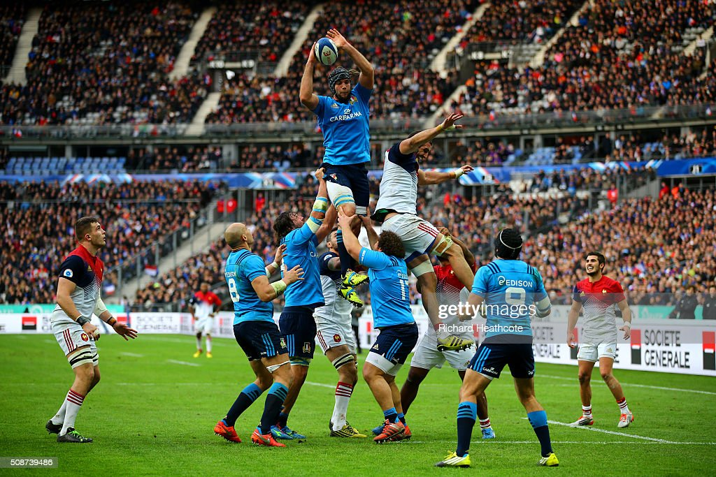 Marco Fuser of Italy claims a line out ball during the RBS Six Nations match between France and Italy at Stade de France on February 6, 2016 in Paris, France.