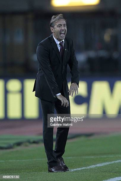 Marco Giampaolo manager of Empoli FC gives instructions during the Serie A match between Empoli FC and Atalanta BC at Stadio Carlo Castellani on...