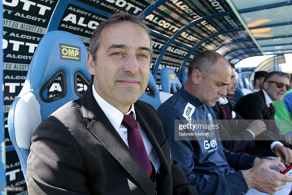 Marco Giampaolo manager of Empoli Fc looks on during the Serie A match between Empoli FC and Bologna FC at Stadio Carlo Castellani on May 1, 2016 in Empoli, Italy.