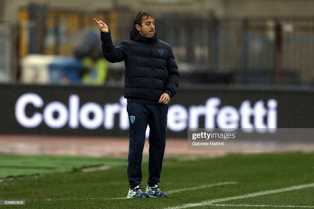 Marco Giampaolo manager of Empoli FC shouts instructions to his players during the Serie A match between Empoli FC and Frosinone Calcio at Stadio Carlo Castellani on February 13, 2016 in Empoli, Italy.