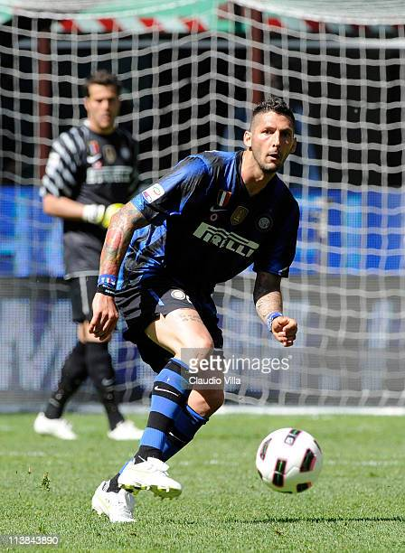 Marco Materazzi of FC Inter Milan in action during the Serie A match between FC Internazionale Milano and ACF Fiorentina at Stadio Giuseppe Meazza on...