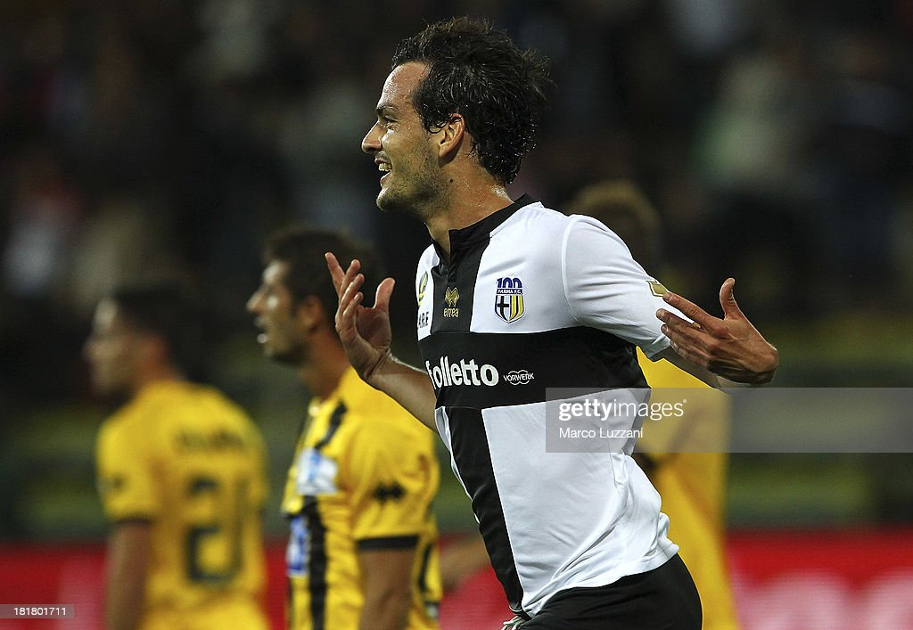 <a gi-track='captionPersonalityLinkClicked' href=/galleries/search?phrase=Marco+Parolo&family=editorial&specificpeople=6474753 ng-click='$event.stopPropagation()'>Marco Parolo</a> of Parma FC celebrates after scoring a goal during the Serie A match between Parma FC and Atalanta BC at Stadio Ennio Tardini on September 25, 2013 in Parma, Italy.