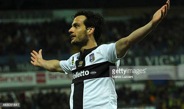 Marco Parolo of Parma FC celebrates after scoring the opening goal during the Serie A match between Parma FC and SSC Napoli at Stadio Ennio Tardini...