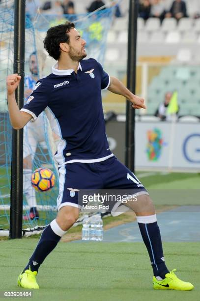 Marco Parolo of SS Lazio celebrates a third during the Serie A match between Pescara Calcio and SS Lazio at Adriatico Stadium on February 5 2017 in...