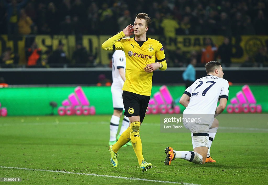 <a gi-track='captionPersonalityLinkClicked' href=/galleries/search?phrase=Marco+Reus&family=editorial&specificpeople=5445884 ng-click='$event.stopPropagation()'>Marco Reus</a> of Borussia Dortmund celebrates as he scores their third goal during the UEFA Europa League Round of 16 first leg match between Borussia Dortmund and Tottenham Hotspur at Signal Iduna Park on March 10, 2016 in Dortmund, Germany.