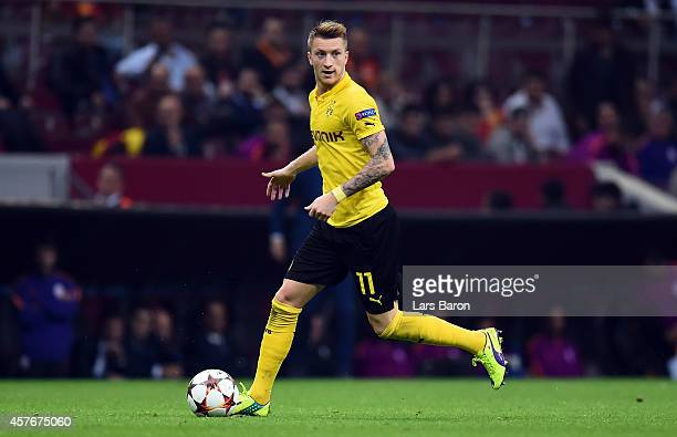 Marco Reus of Dortmund runs with the ball the UEFA Champions League group D match between Glatasaray AS and Borussia Dortmund at Ali Sami Yen Spor...