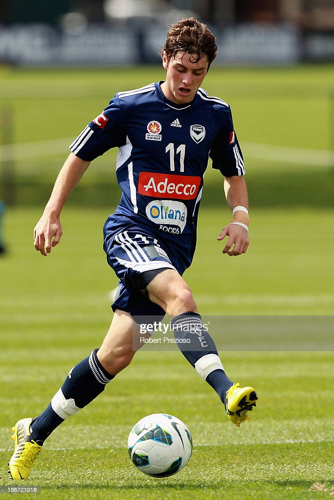 Marco Rojas controls the ball during a Melbourne Victory A-League training session at Gosch's Paddock on November 20, 2012 in Melbourne, Australia.