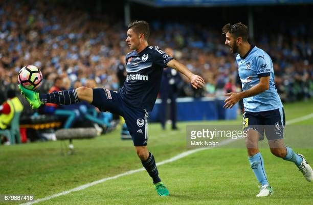 Marco Rojas of the Victory controls the ball during the 2017 ALeague Grand Final match between Sydney FC and the Melbourne Victory at Allianz Stadium...