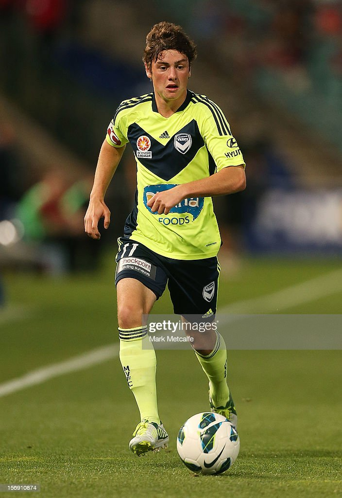 Marco Rojas of the Victory in action during the round eight A-League match between the Western Sydney Wanderers and the Melbourne Victory at Parramatta Stadium on November 24, 2012 in Sydney, Australia.