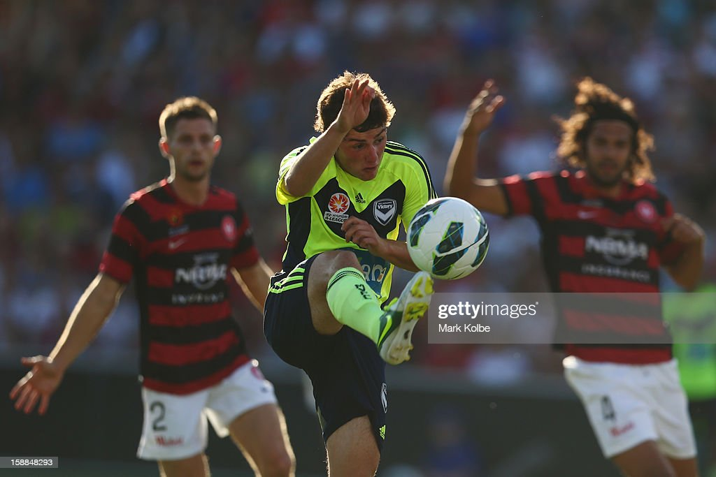 Marco Rojas of the Victory shoots at goal during the round 14 A-League match between the Western Sydney Wanderers and the Melbourne Victory at Parramatta Stadium on January 1, 2013 in Sydney, Australia.